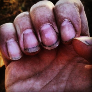 mihai_vasilescu_dirty-nails